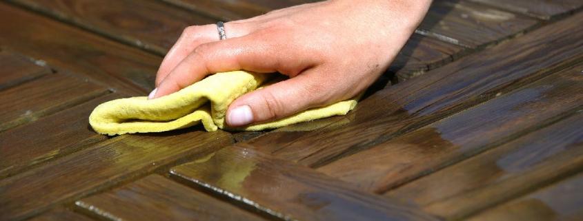 Čiščenje lesenih teras